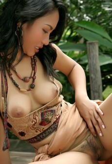 exotic model nude hot