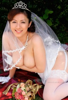 nude asian bride