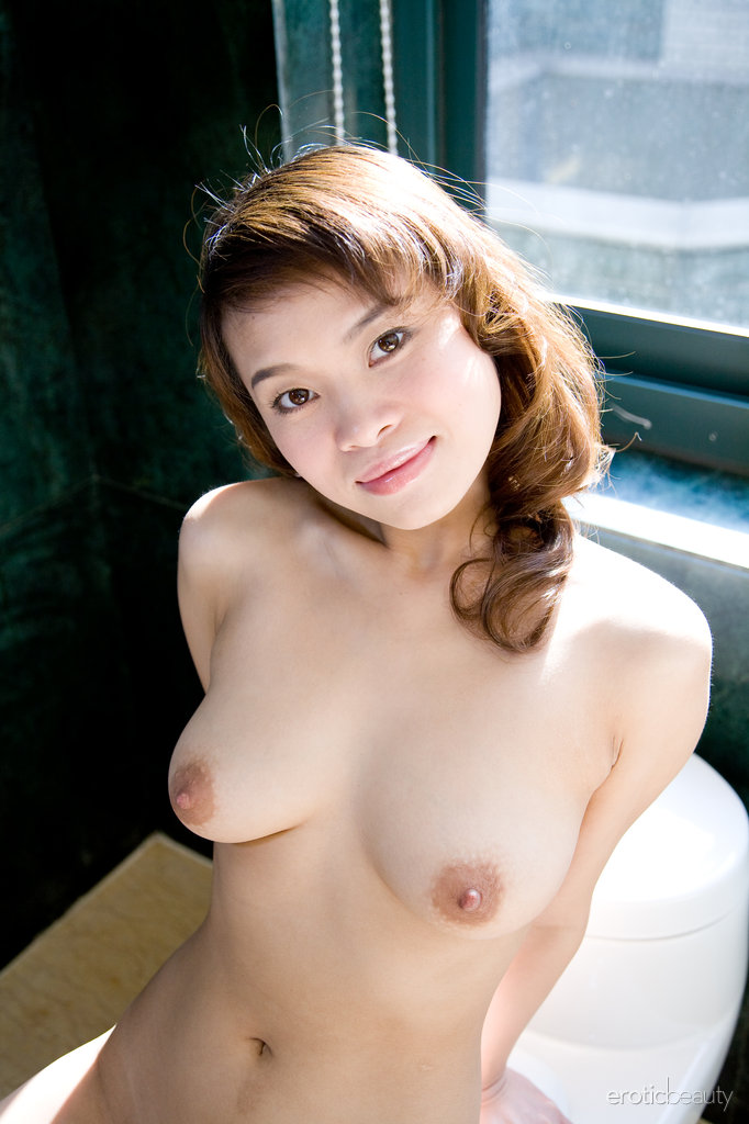Pics of naked asian women