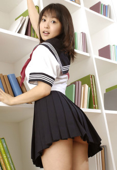 japanese schoolgirl pretty