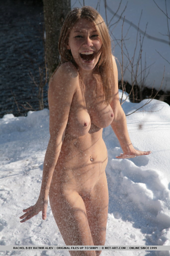 nude girls in winter