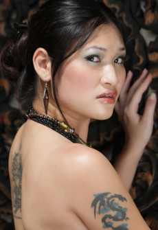 tattood chinese girl naked