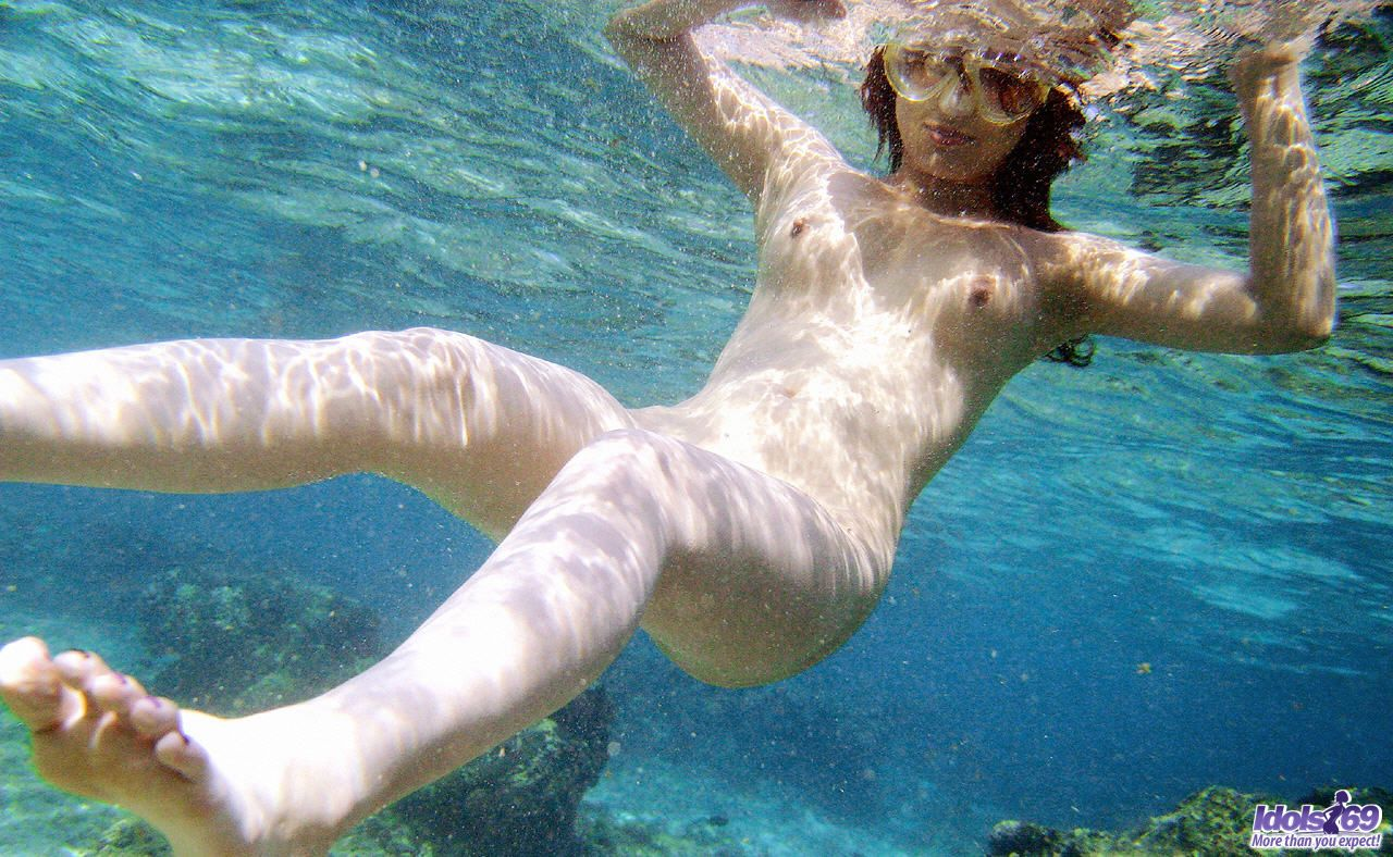 girls swiming in the nude